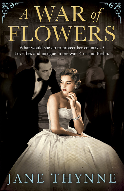 A War of Flowers : Clara Vine #3 book cover
